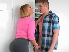 Pawg Girlfriend's Mom Handjob Free Pawg Mom Hd Porn 02