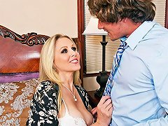 Julia Ann Tyler Nixon In My Friends Hot Mom